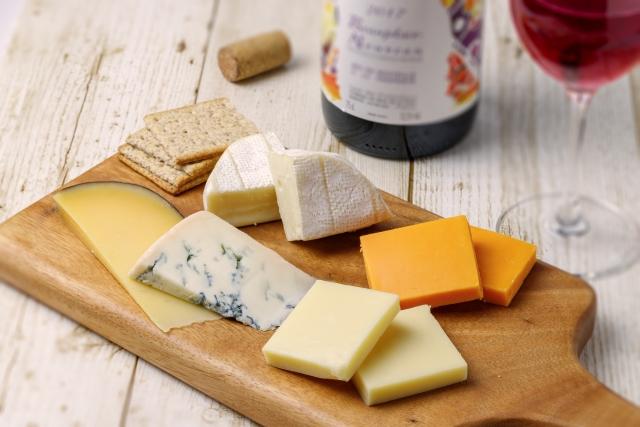 妊娠中はカマンベールなどのチーズを食べても大丈夫?